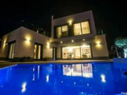 Недвижимость в Испании,Виллы на берегу моря в Кампоамор