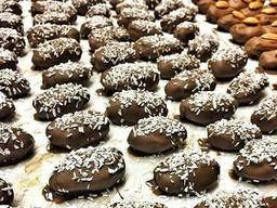 """Hadji"" chocolate dates with almonds - photo 4"