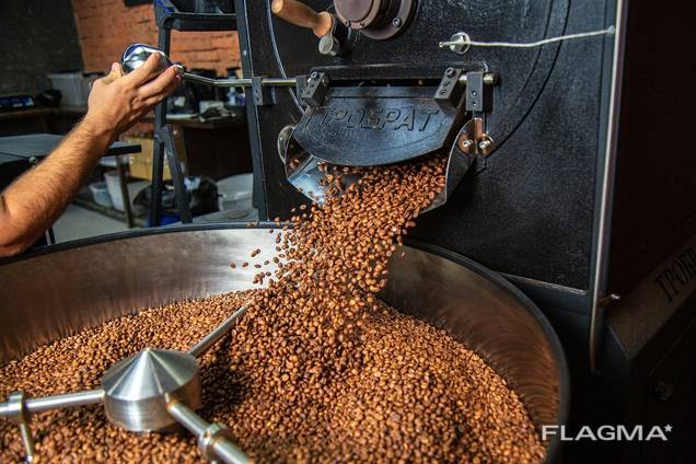 Natural coffee beans Fermented with Schisandra rose hips and black currants.