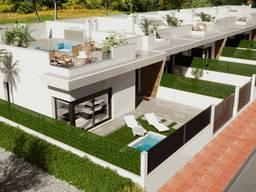 Недвижимость в Испании, Новая вилла рядом с гольф полем от застройщика в Лос Алькасарес